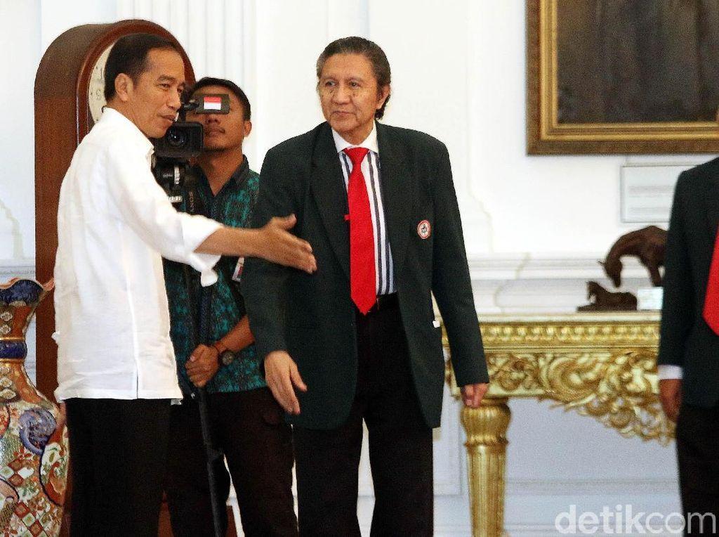 Ketua IDI Angkat Bicara Soal Pemecatan Ilham Oetama Marsis oleh Jokowi