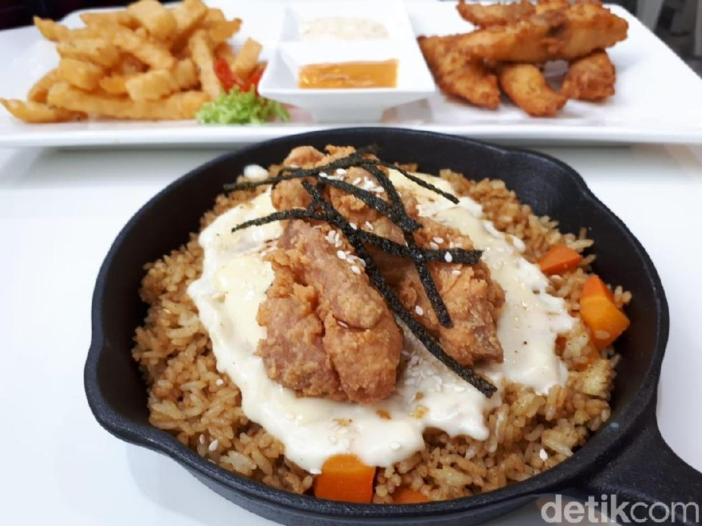 L.O.F: Makan Baked Rice Keju Berbumbu Kari di Kafe Asri
