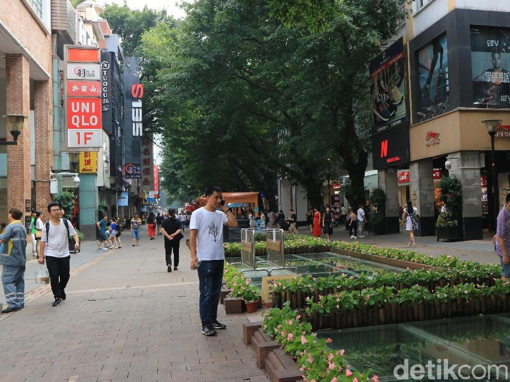 Foto: Pedestrian di Guangzhou Lebih Enak dari Jakarta