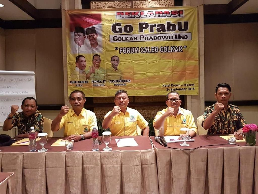 Bentuk Go PrabU, Sejumlah Caleg Golkar Dukung Prabowo-Sandi