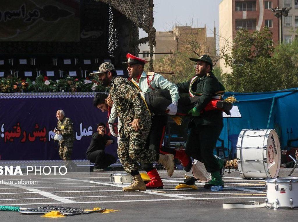 Tiga Pelaku Penyerangan di Iran Muncul di Video