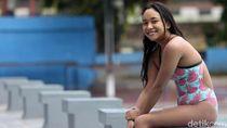 Lumpuh Tak Bikin Atlet Cantik Laura Dinda Tinggalkan Kolam Renang