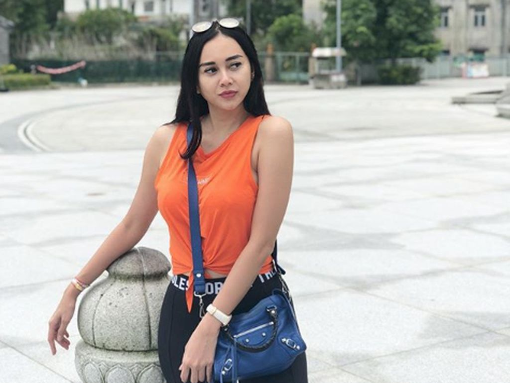 Aura Kasih Ungkap Penyebab Cerai dari Suami, Ashanty Heran