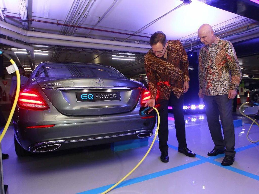 Harga Kurang Kompetitif, Mobil Hybrid Mercy Sepi Pembeli