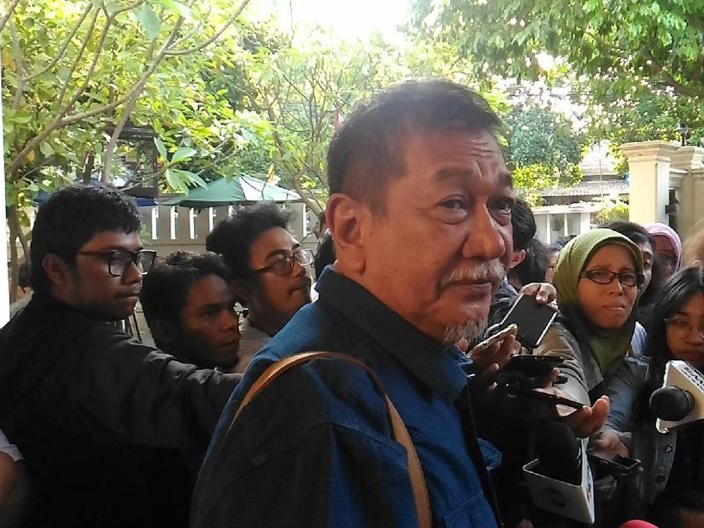 1.706 e-KTP Tercecer di Duren Sawit, Tim Jokowi: Gejala Apa Nih?