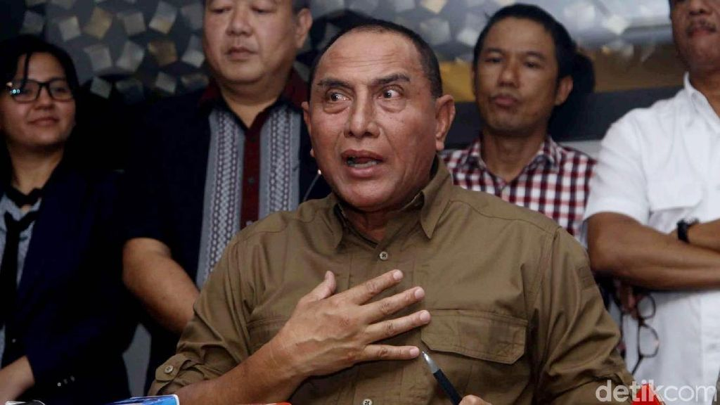 Kata Kemendagri soal Gubernur Sumut Rangkap Ketum PSSI