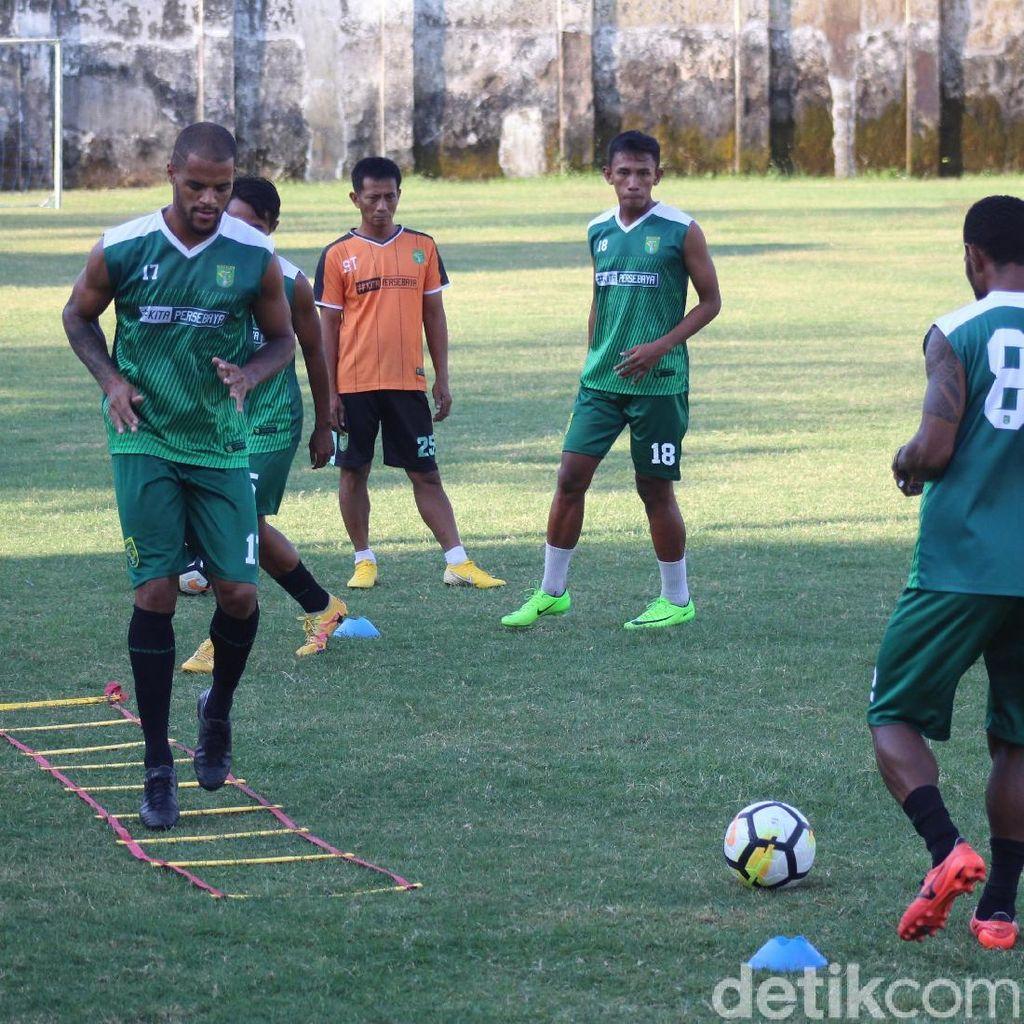 Pelatih Persebaya Imbau agar Bonek Tak Turut Away ke Malang