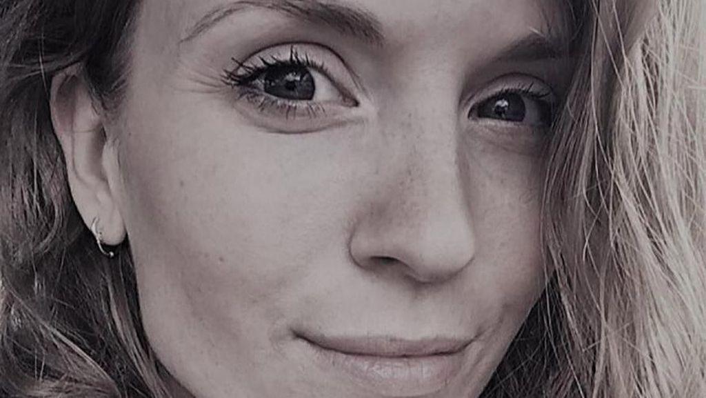 Penampakan Wanita yang Mengaku Makin Cantik Setelah Minum Urine