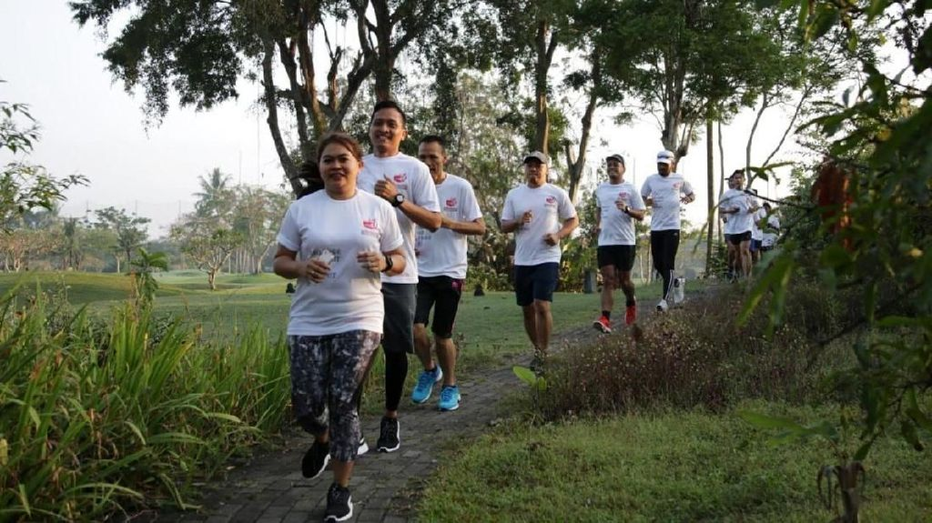 75 Pelari Ramaikan Road to Semen Indonesia Trail Run