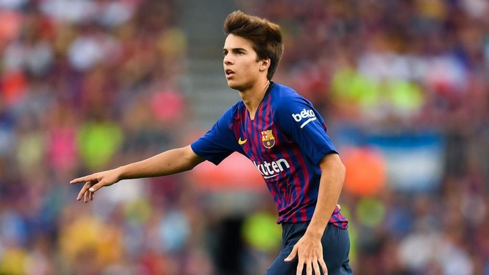 BARCELONA, SPAIN - AUGUST 15:  Riqui Puig of FC Barcelona looks on during the Joan Gamper Trophy match between FC Barcelona and Boca Juniors at Camp Nou on August 15, 2018 in Barcelona, Spain.  (Photo by David Ramos/Getty Images)