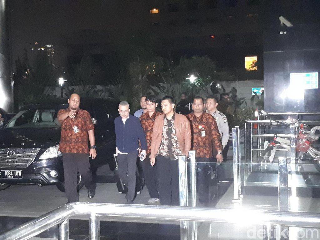 Tersangka Suap DPRD Sumut yang Ditangkap di Medan Tiba di KPK