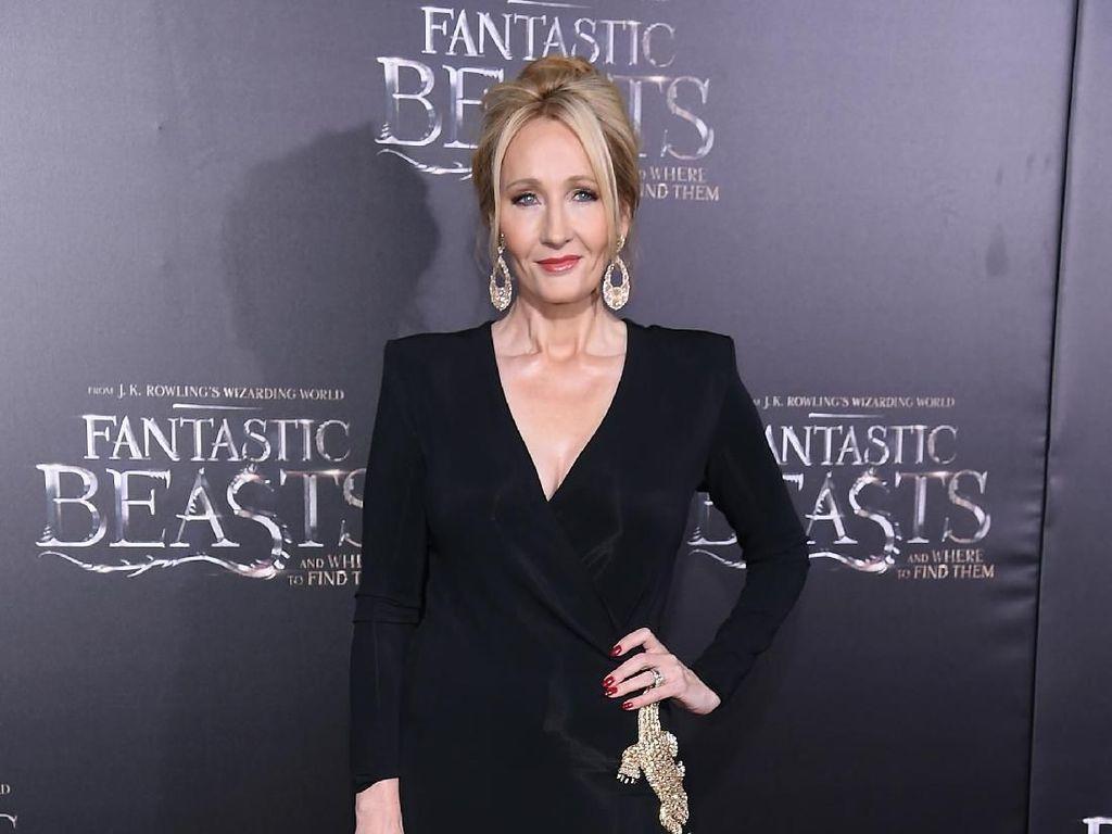 JK Rowling Ajari Perempuan Menulis Tema Kriminal untuk Unjuk Gigi