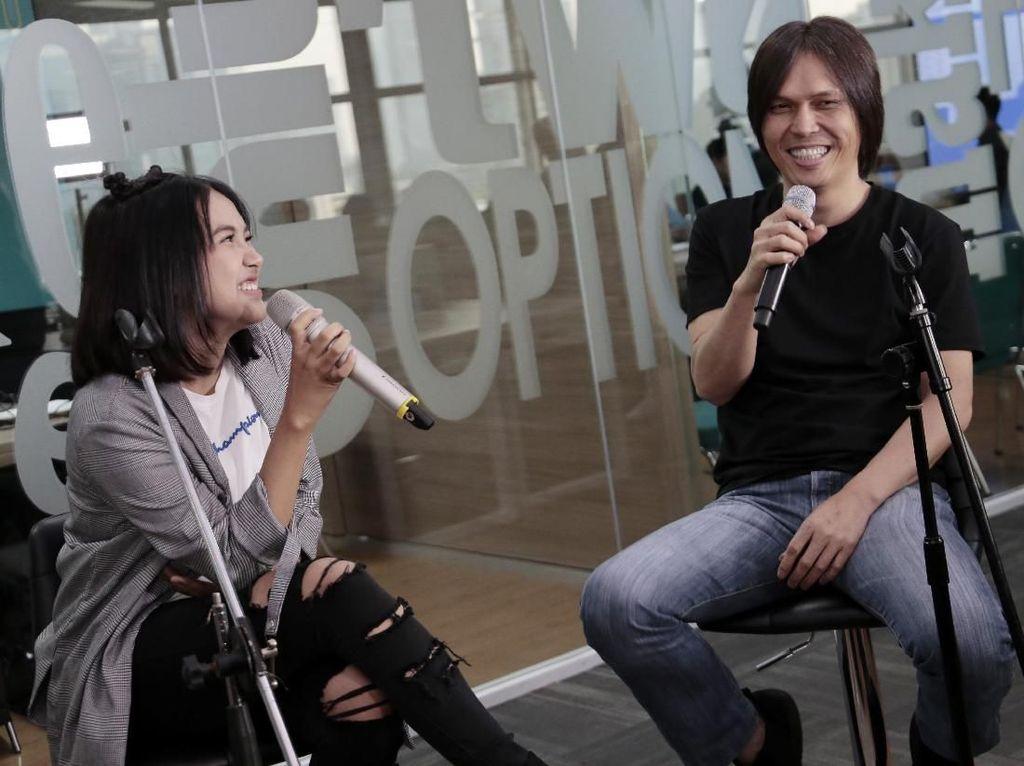 Ini 2 Penyanyi Cantik yang Sering Didengarkan Once Mekel