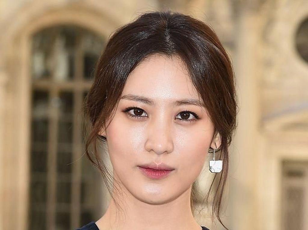 Pemain Avengers Claudia Kim Gabung YG Entertainment