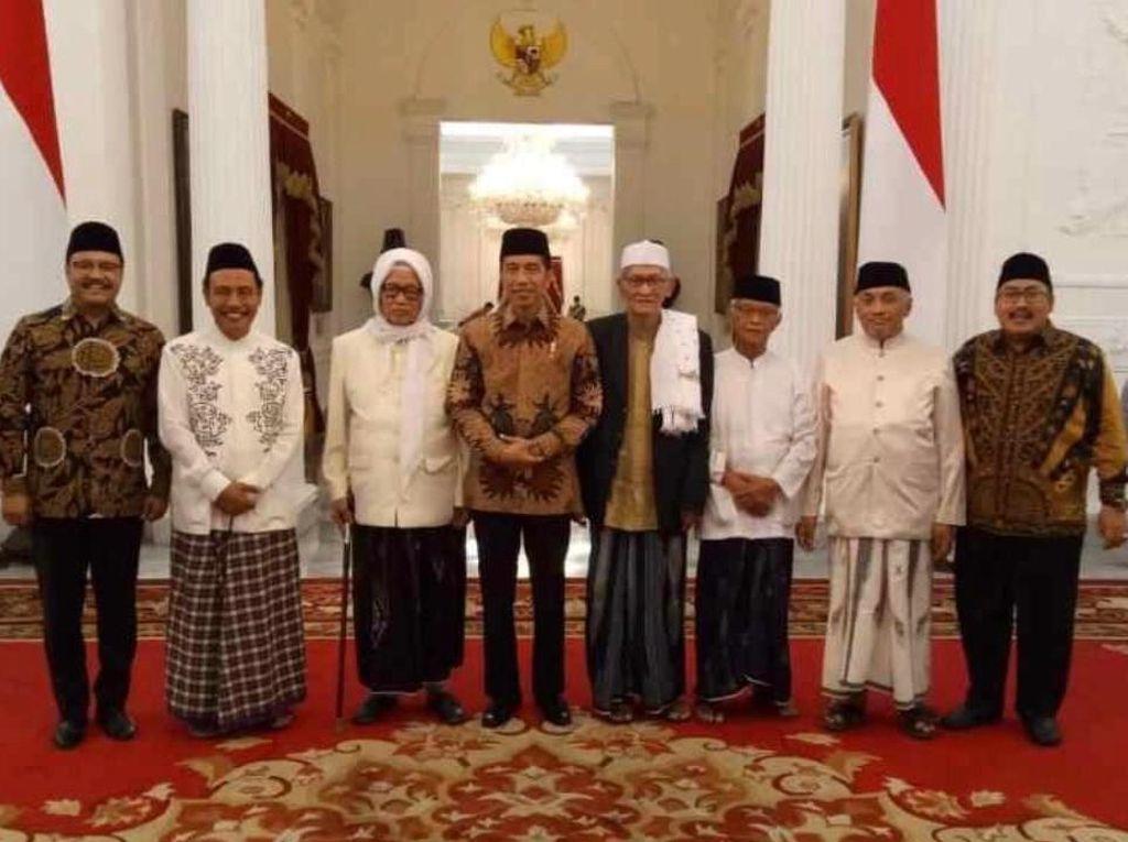 Para Kiai Sepuh Jatim Bertemu Jokowi di Istana, Ini yang Dibicarakan