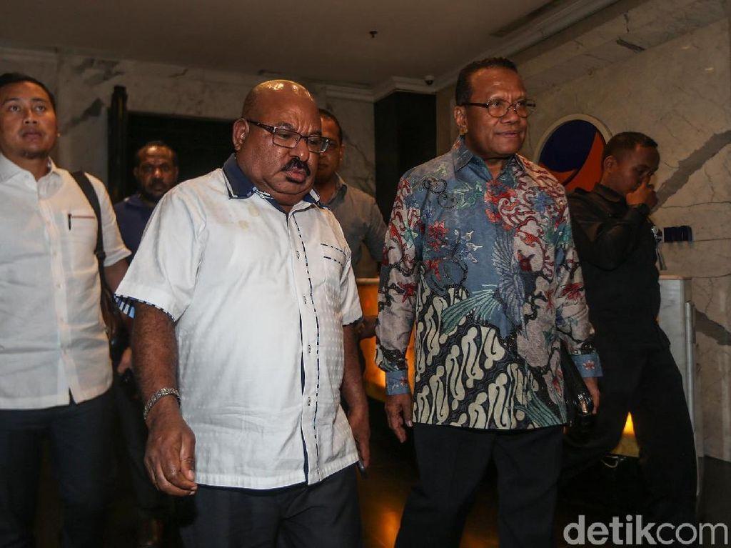 Lukas Enembe Minta Aparat Persuasif, Tak Tangkap Warga Papua yang Demo