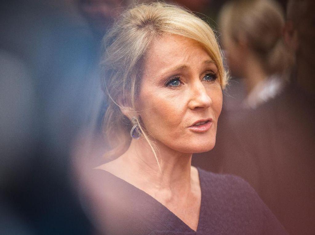 Hore... JK Rowling Tulis 4 Cerita Baru dari Dunia Harry Potter