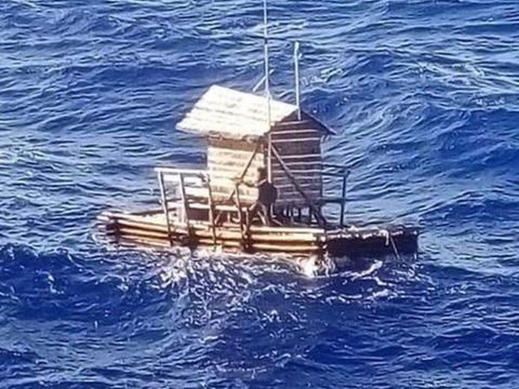 Ganasnya Lautan Saat Aldi Terombang-ambing 49 Hari