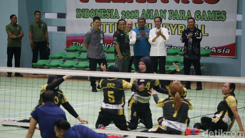 Momen Jokowi Semangati Atlet Asian Para Games
