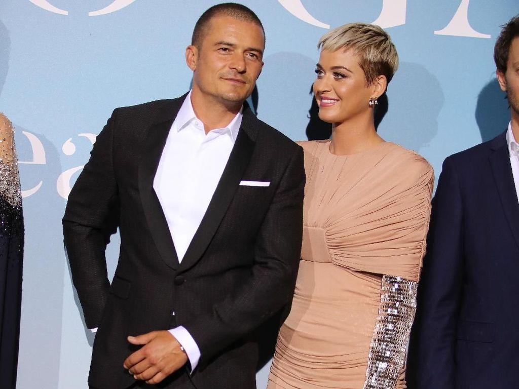 Katy Perry Ungkap Cerita Lamaran Romantis Orlando Bloom di Helikopter