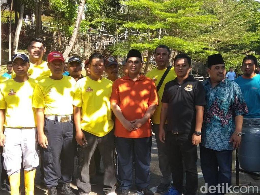 Gus Yasin Kampanyekan Gerakan Pungut Sampah Tiap Jumat se-Jateng