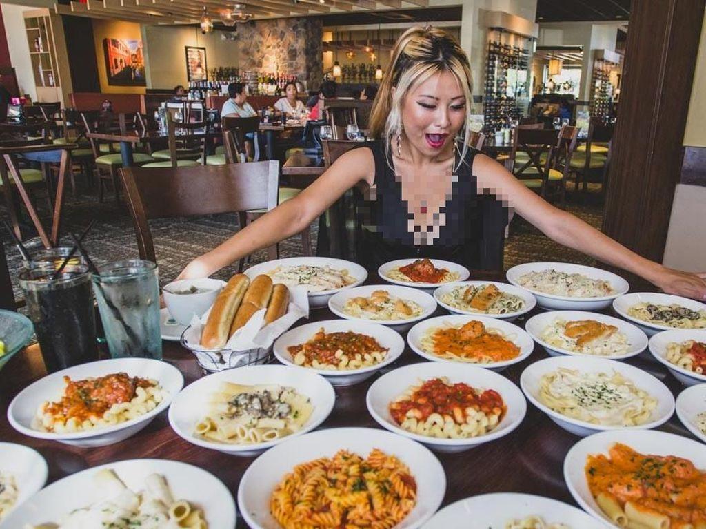 Wouw! Wanita Ini Mampu Habiskan 4,5 Kg Pasta Sendirian Selama 25 Menit