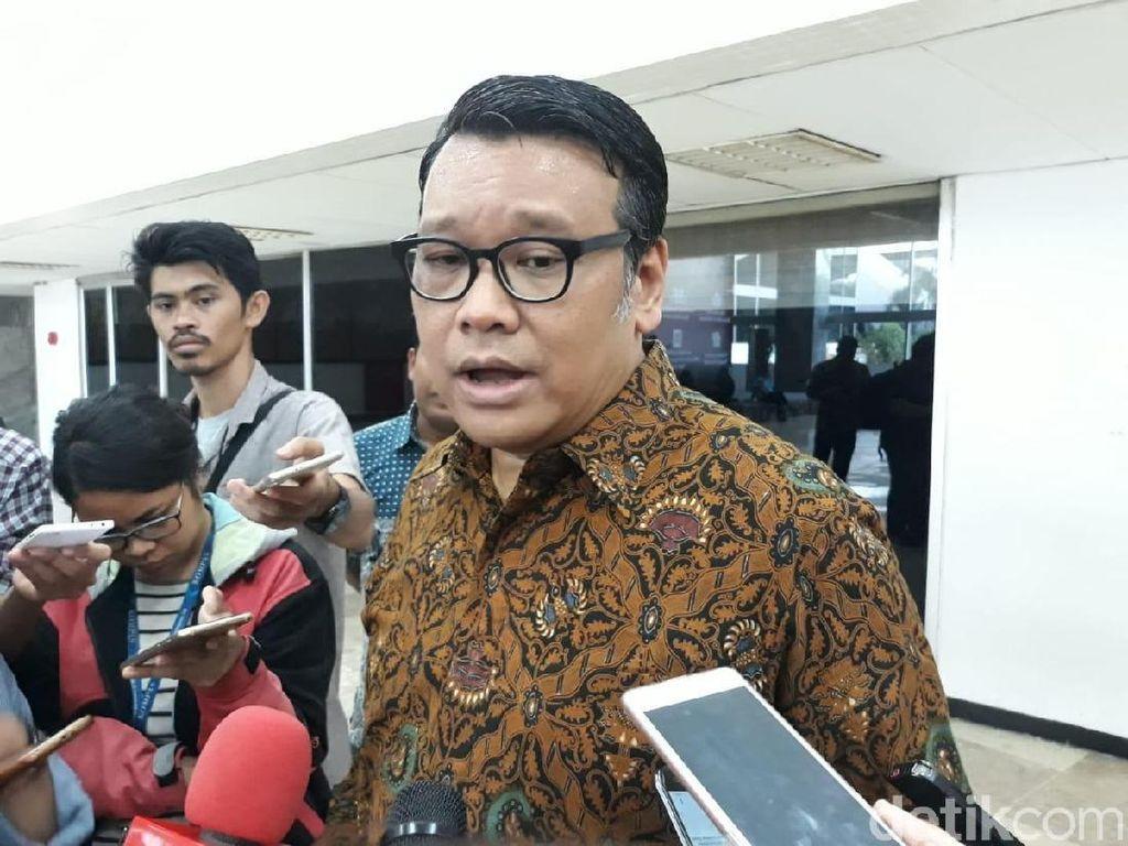 Komisi XI DPR Usul Bubarkan OJK, Fungsinya Dikembalikan ke BI