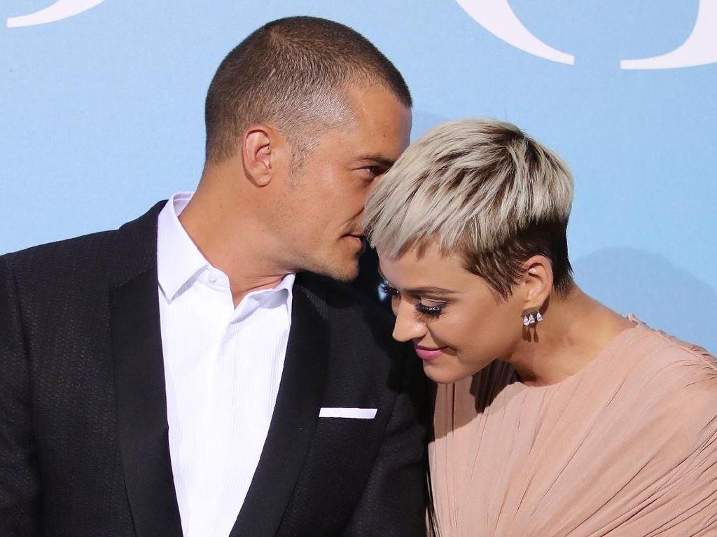 Muncul Perdana Sebagai Pasangan, Katy Perry-Orlando Bloom Mesra Banget!