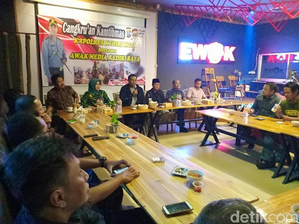Jelang Pilpres, Polisi Kediri Ajak Media dan Netizen Perangi Hoax