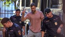 Anggota Pussy Riot Yakin Diracuni Intelijen Rusia