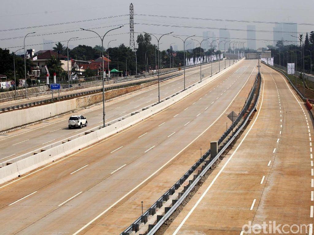 Jokowi Resmikan Tol Desari yang Sempat Molor