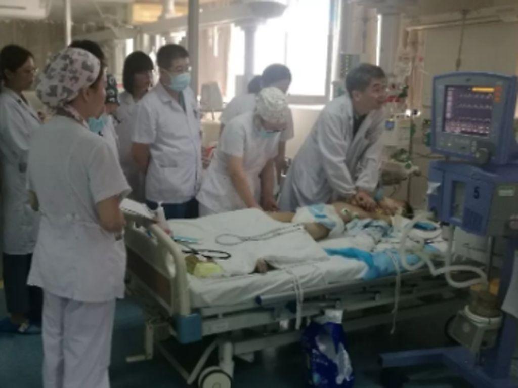 Luar Biasa! Staf RS China Gantian Beri CPR ke Pasien Selama 5 Jam