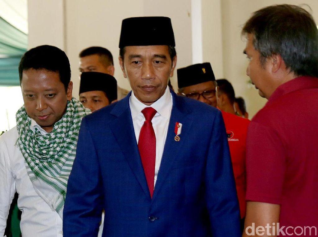 Begini Penampilan Jokowi Saat Hadiri Rapimnas PPP