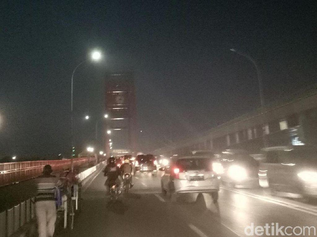 Jembatan Ampera Gelap Gulita, Ini Penjelasan Pemkot