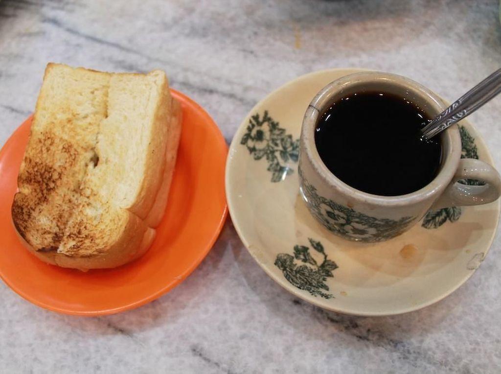 Ada Sejak Puluhan Tahun, Ini 5 Kedai Kopi Susu Legendaris di Indonesia