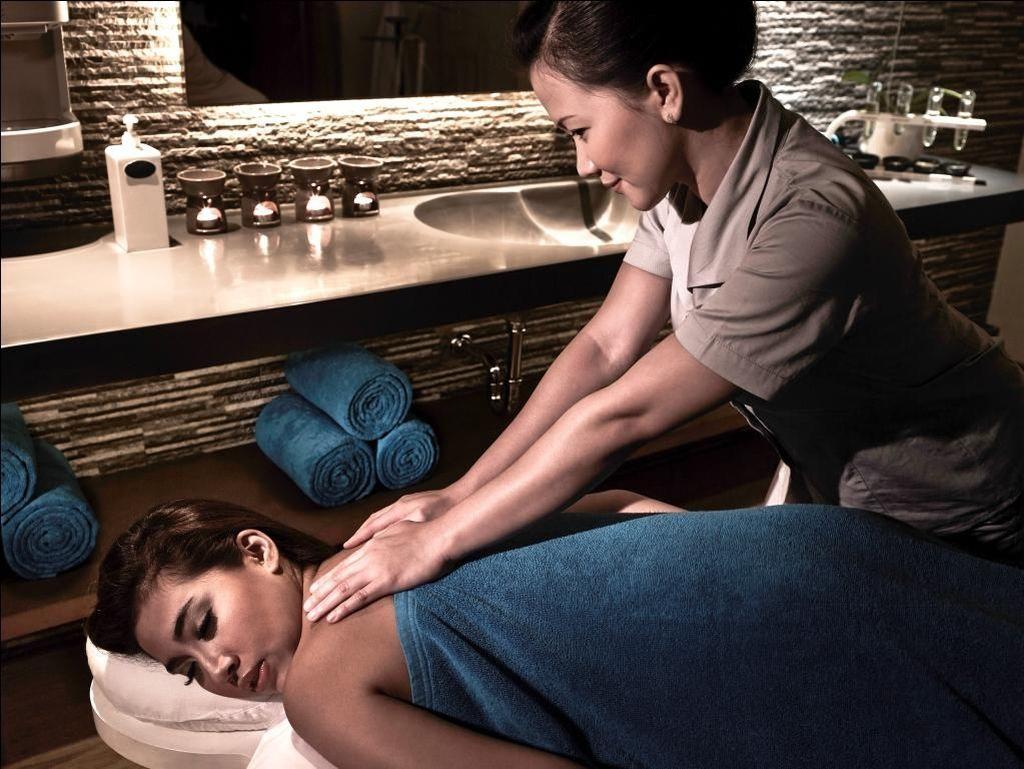 Sensasi Relaksasi dengan Pijat Aromaterapi di Hotel Pullman Central Park