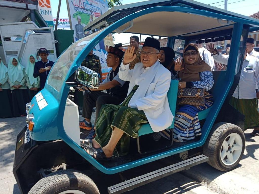 Maruf Amin Jajal Mobil Listrik Buatan Santri