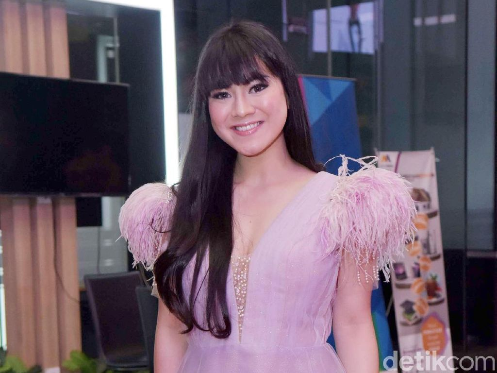 Penuh Drama Saat Felicya Angelista Foto Bareng dengan Cha Eun Woo
