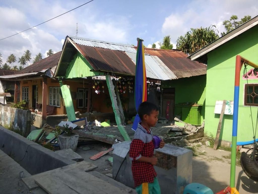 Gempa Donggala, Telekomunikasi Terganggu Listrik Padam