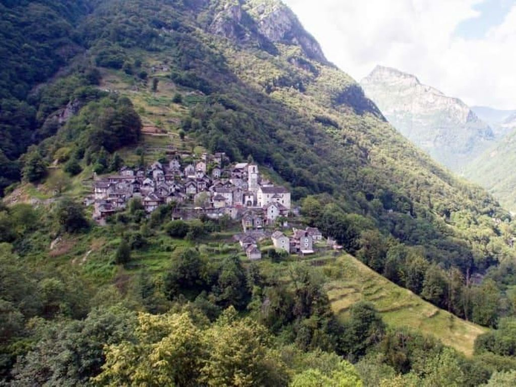 Desa Terpencil Ini Disulap Menjadi Hotel