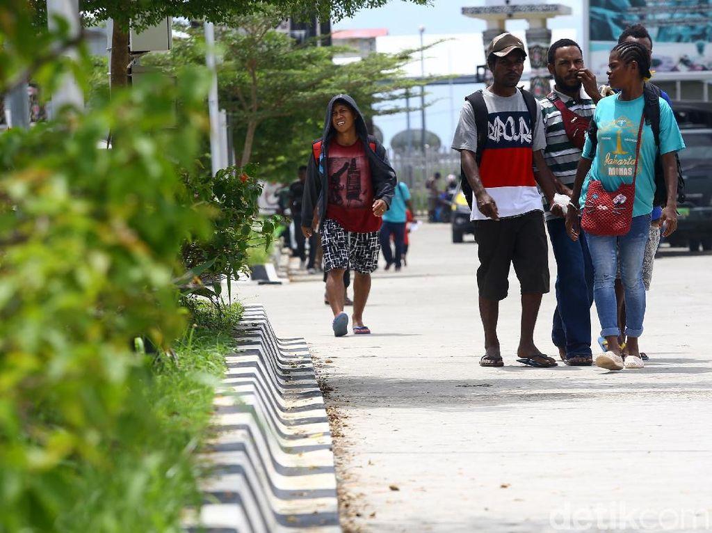 Keriuhan Pasar di Perbatasan Indonesia-Papua Nugini