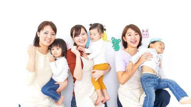 6 Manfaat Playdate Bagi Ibu Seperti yang Dilakukan Andien