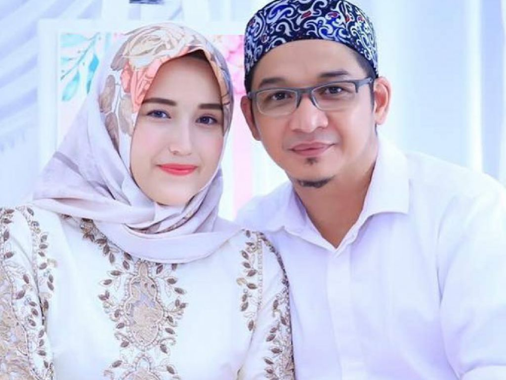 Makna Idul Fitri Bagi Pasha Ungu dan Adelia
