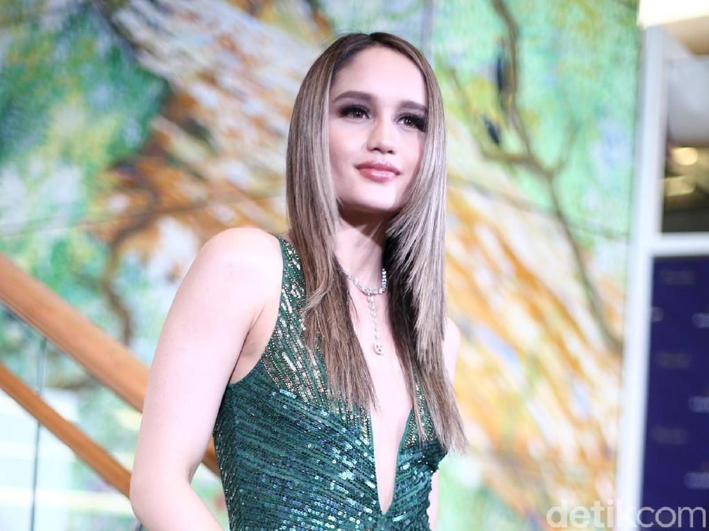 Tinggal di AS, Cinta Laura Suka Kangen Cabai Rawit