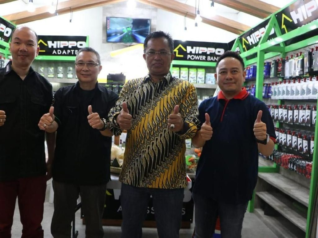 Hippo Buka Toko Baru di Bandung