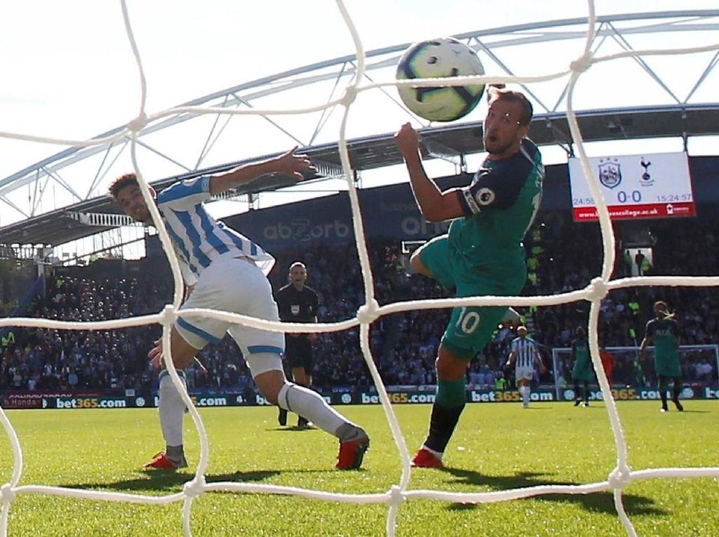 Hasil Liga Inggris: Kane Dua Gol, Spurs Kalahkan Huddersfield 2-0
