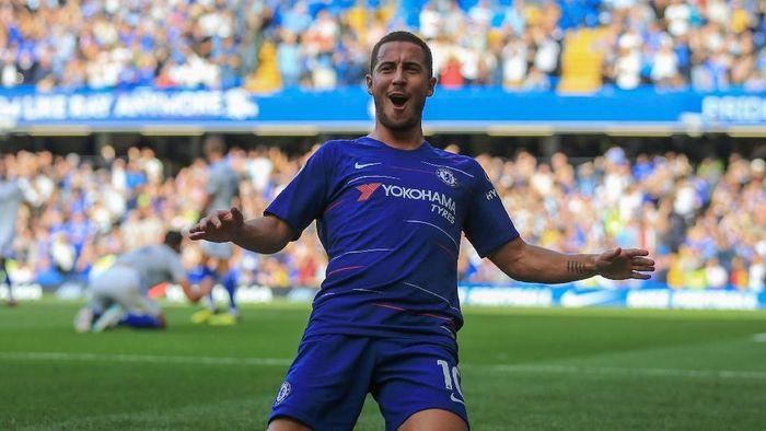 Eden Hazard memimpin daftar top skorer Premier Legaue 2018/2019 dengan delapan gol. Pemain Chelsea itu juga sudah lima kali dinobatkan sebagai Man of the Match dan membuat dribel sukese 2,8 per pertandingan. (Foto: Marc Atkins/Getty Images)