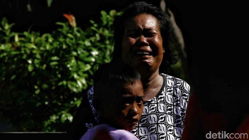 Tangis Pilu Warga Korban Gempa-Tsunami di Palu