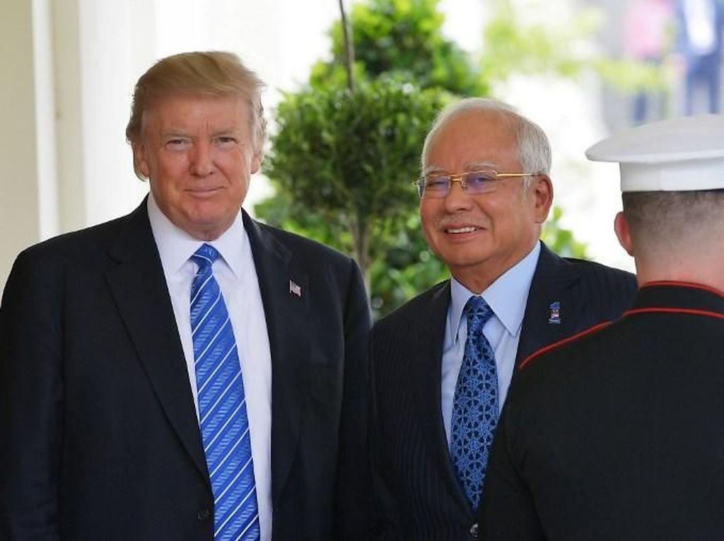 Mahathir Sebut Najib Pernah Berusaha Menyuap Trump
