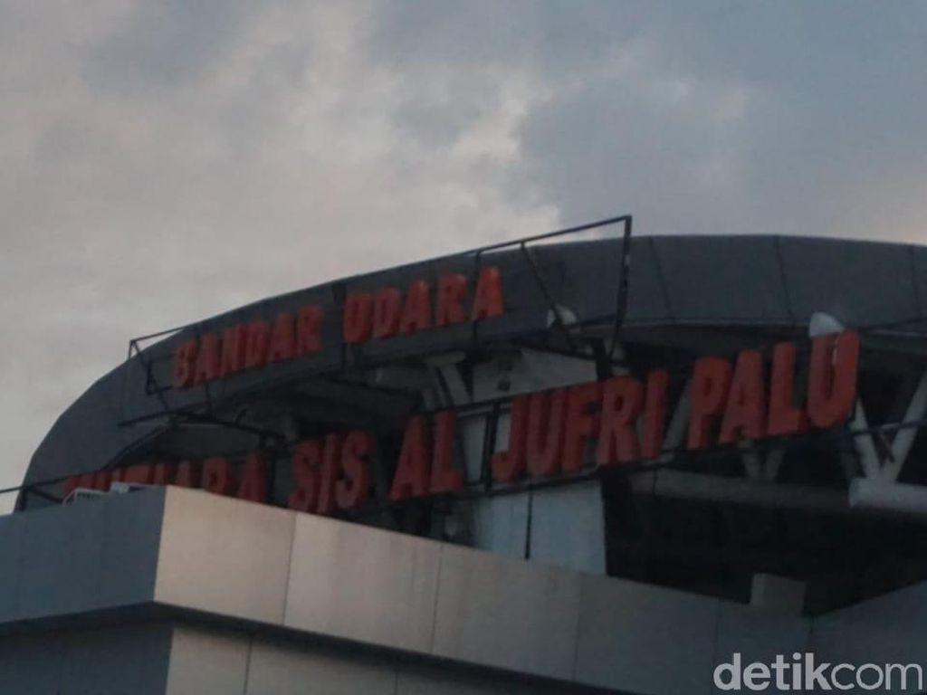 Panglima TNI: Warga Sempat Padati Bandara Palu, Diangkut Kapal Pelni